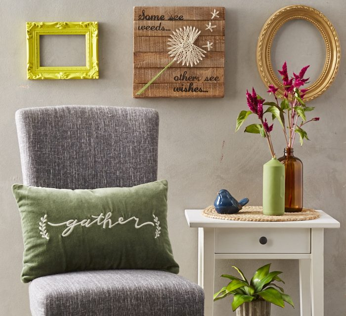 Staging a Smart & Organized Entryway