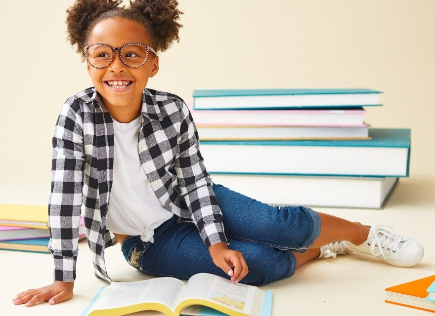 7 Summer Reading Tips + Free Bookmarks