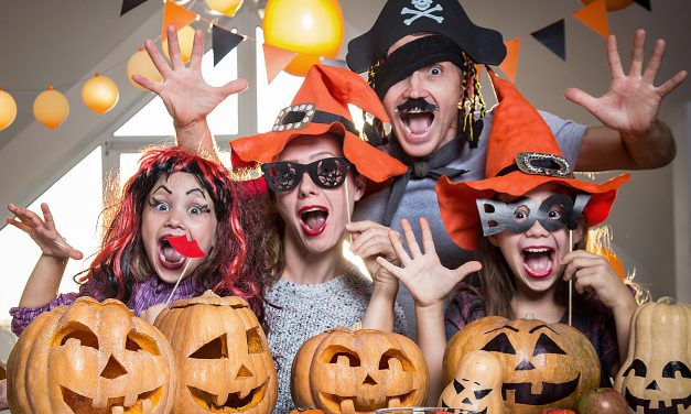 Easy Halloween Costumes For Individuals, Groups or Families!