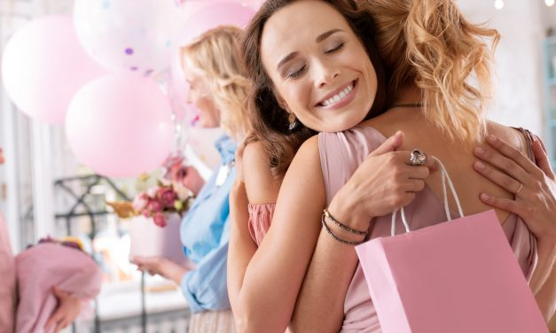 Top 20 Unique Baby Shower Gifts for Moms-to-be in 2020