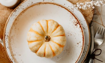 Simple Thanksgiving Table Decoration Ideas