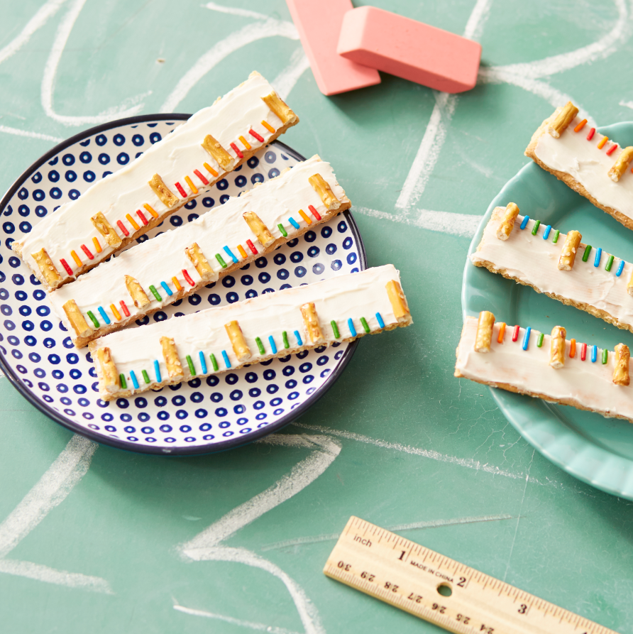 Snack plate with graham crackers decorated as six-inch rulers