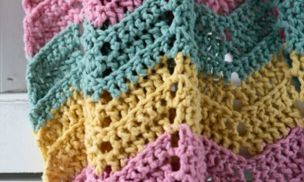 Beginner's Guide to Crocheting + FREE Downloads