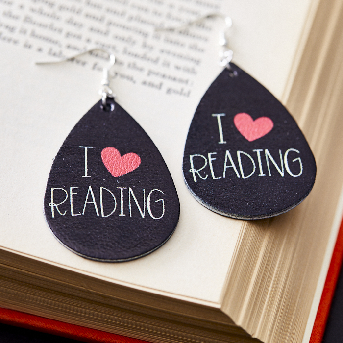 I heart readings for gifts that start with books