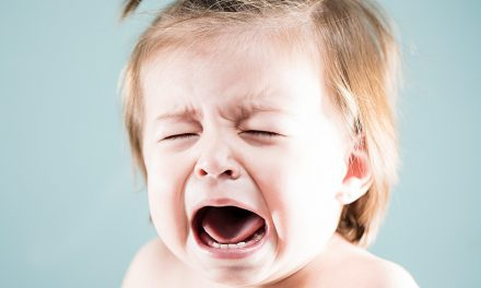 How to Calm a Crying Baby? Complete Guide to Reasons & Solutions