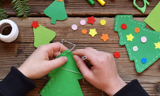 Easy DIY Christmas Card Tips and Ideas