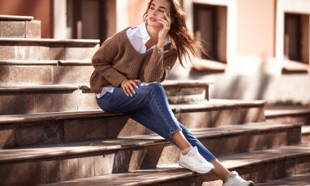 Women Everywhere, Rejoice Over the Mom Jeans Trend! Here's How to Wear It
