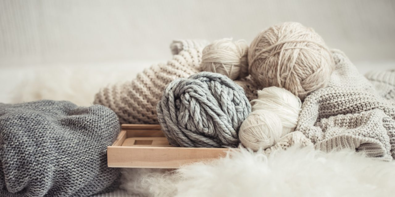 Best Oversized Yarns for Chunky Knit Blankets