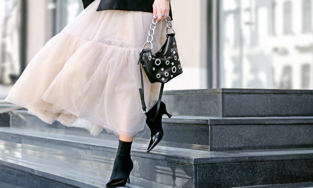 5 Trending Handbag Styles That Get Carrie Bradshaw's Approval