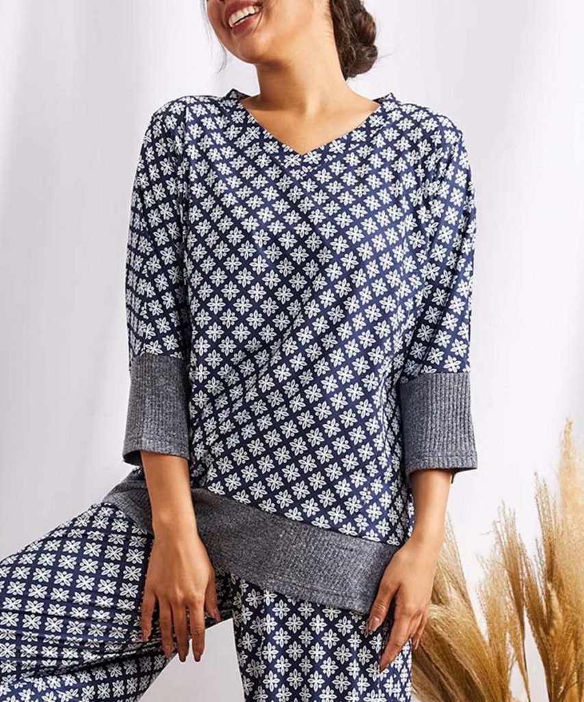 Simple by Suzanne Betro Blue Geometric Floral Lounge Set