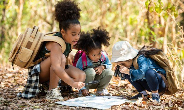 10 Best indoor and outdoor Scavenger Hunt Ideas For Kids