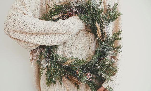 How To Make Holiday Wreath – 7 DIY Christmas Wreath Ideas