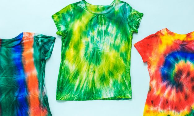 3 Tie-Dye Trends To Try In 2021 With Step-by-Step Guides