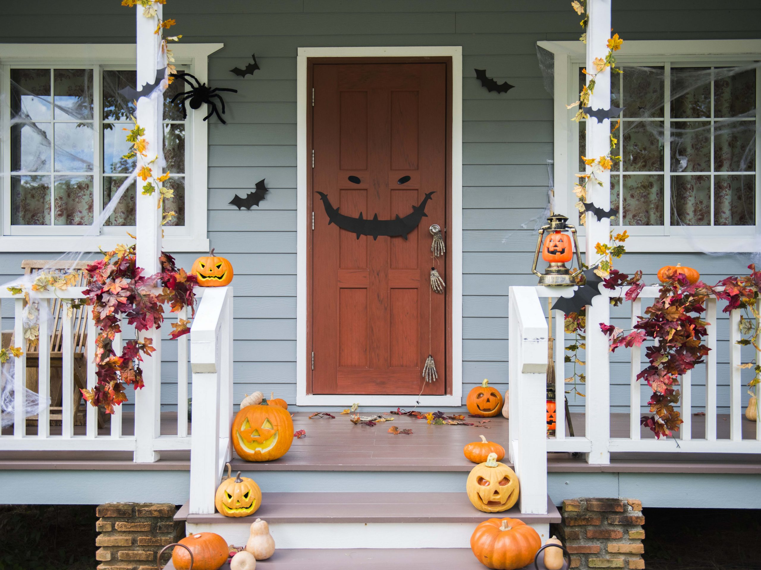 Halloween Spooky Front Porch With Pumpkins