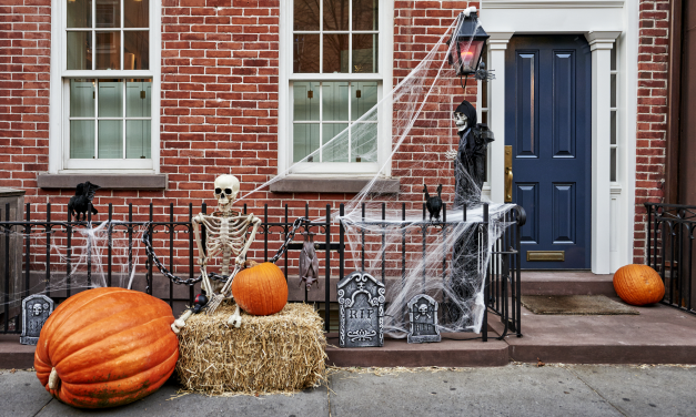 The Spookiest House On The Block: Outdoor Halloween Decoration Ideas