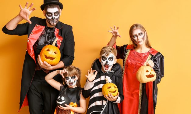 11 Clever Halloween Costume Ideas for Families